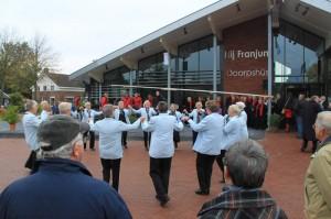 Opening dorpsplein