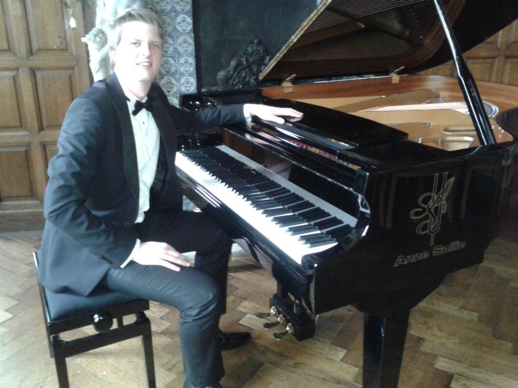 Poptaslot prachtig decor pianoconcert Hessel bij de Leij
