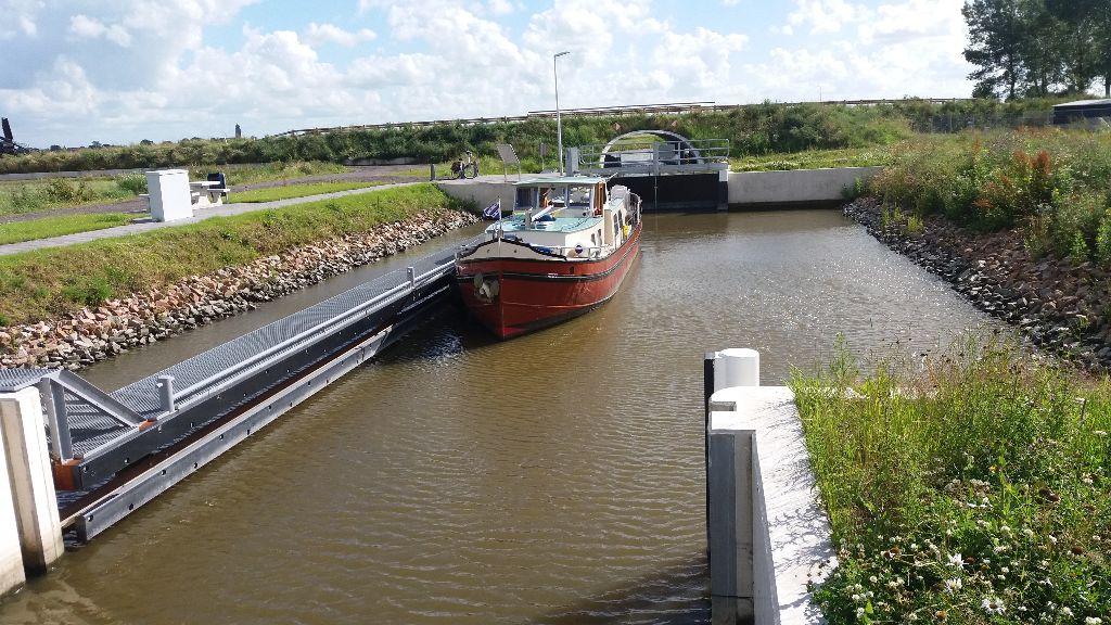 Boot van 14,5 m lang in Haven?