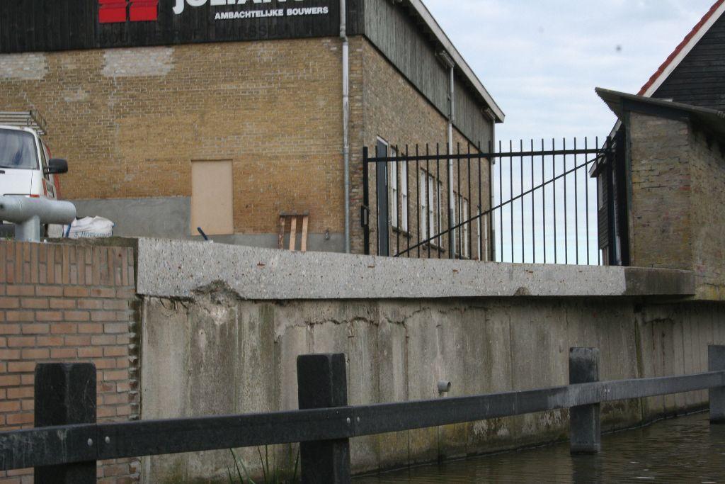 Punt bij bouwbedrijf Julianus aan de Haven verwijderd