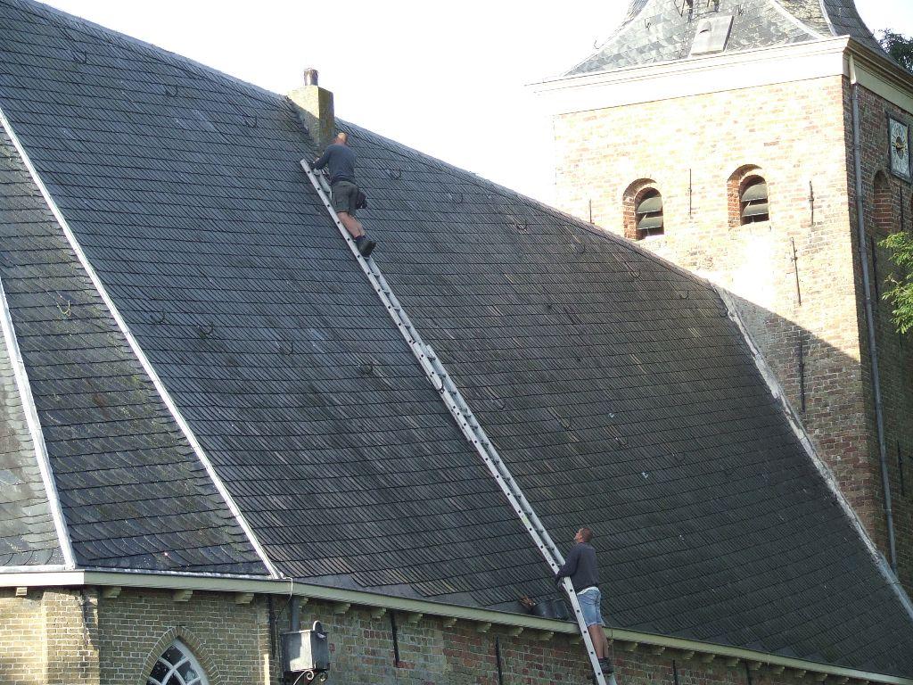 Onderhoudswerk aan de kerk