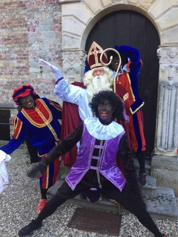 Blokkade voor Sinterklaas en Zwarte Pieten in Marsum
