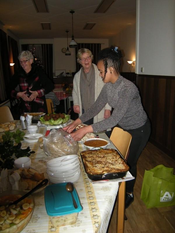Kerstdiner vluchtelingen in de consistorie
