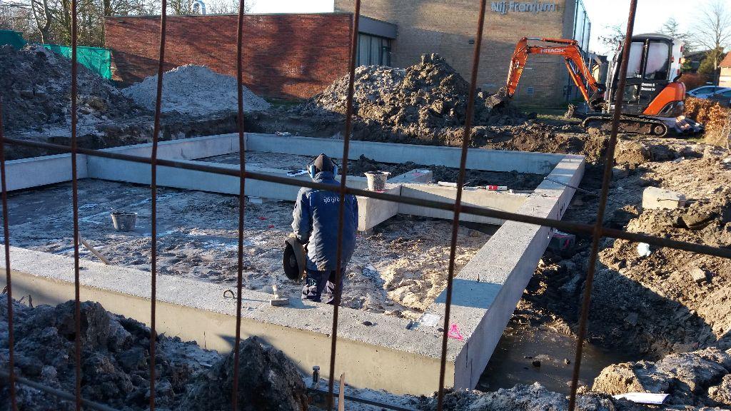 Huizenbouw aan de Uniastrjitte gestart