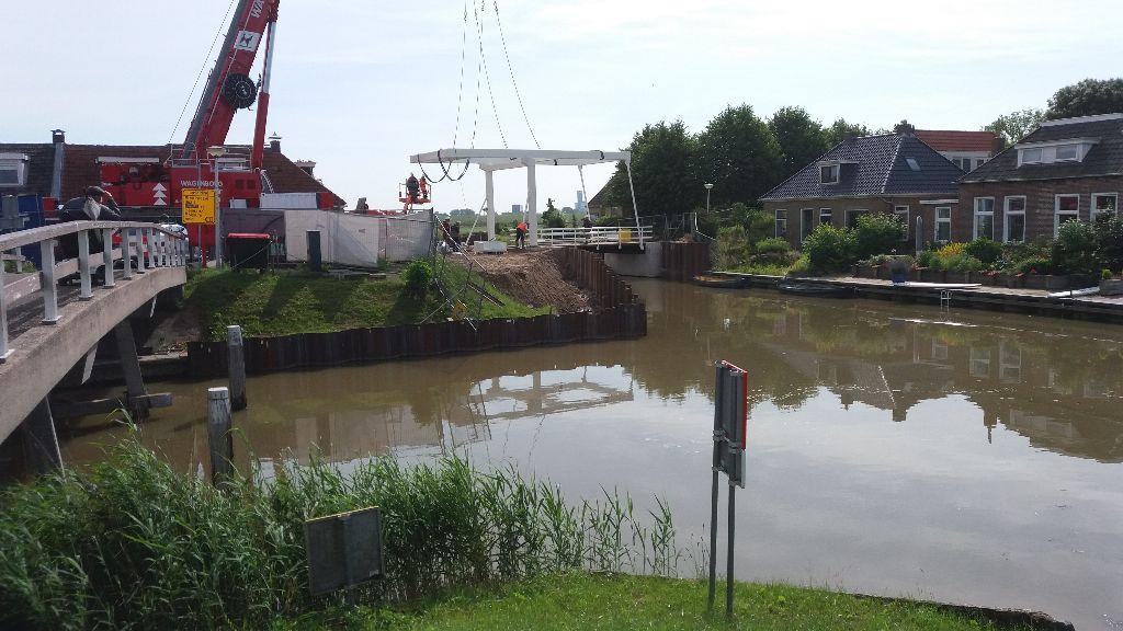 Nieuwe brug Ritsumasyl geplaatst