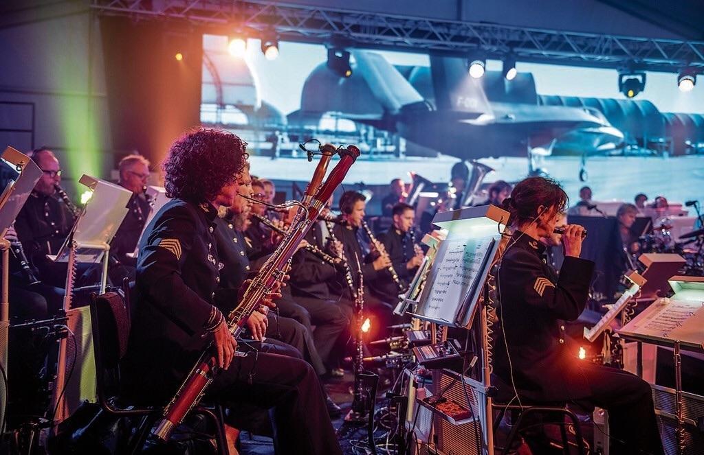 Muzikale pr-show van luchtmacht met nieuwe show 'Missions'