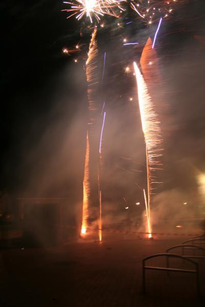 Foto's vuurwerk en nieuwjaarsborrel in dorpshuis